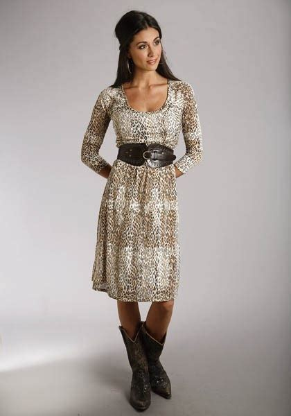 dress to wear with cowboy boots pretty dress with cowboy boots oh yeah my style