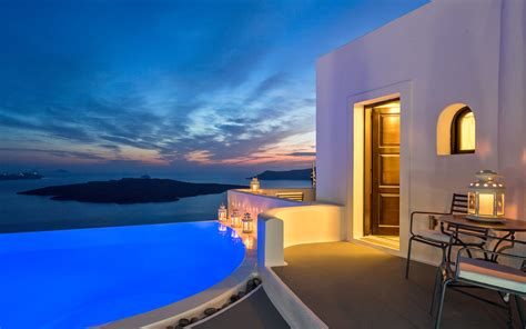 best luxury hotels santorini cosmopolitan suites santorini tgw travel