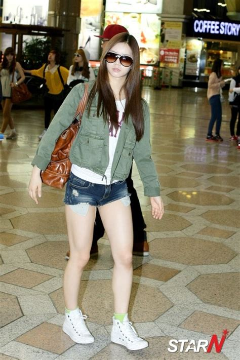 s day airport pic 120501 girl s day hyeri airport fashion departure