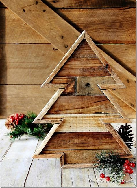 christmas woodworking ideas pallet wood tree and a linky thistlewood farm