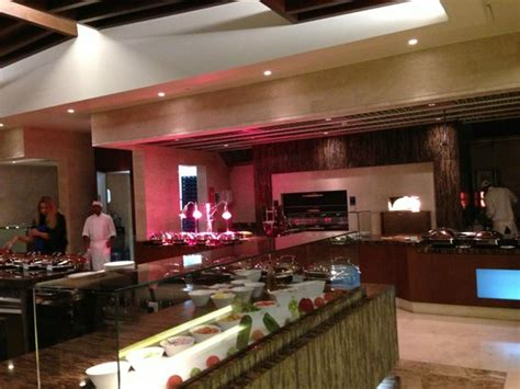 buffet picture of sofitel dubai the palm resort spa