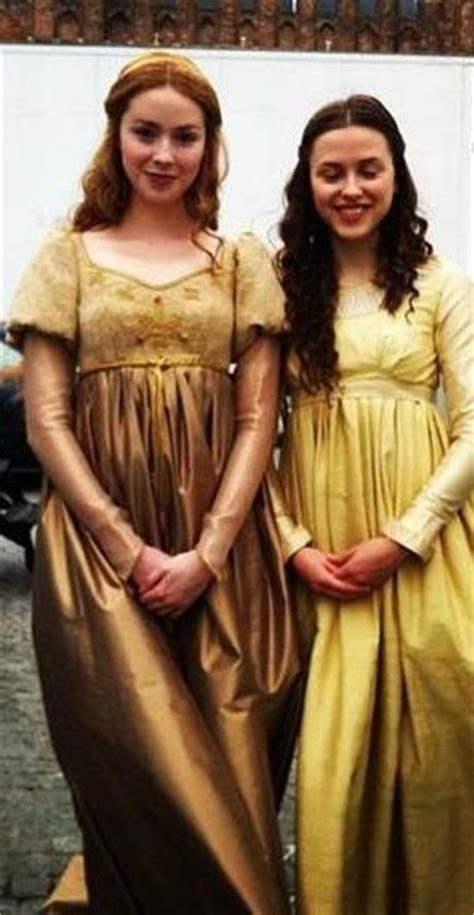 White Series Gamis elizabeth and cecily plantagenet in the white tv