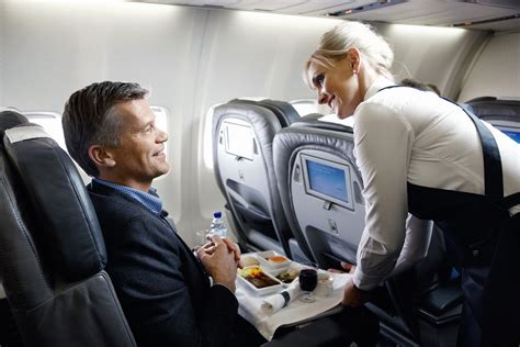 icelandair comfort class icelandair med ny rute til chicago businessclass no