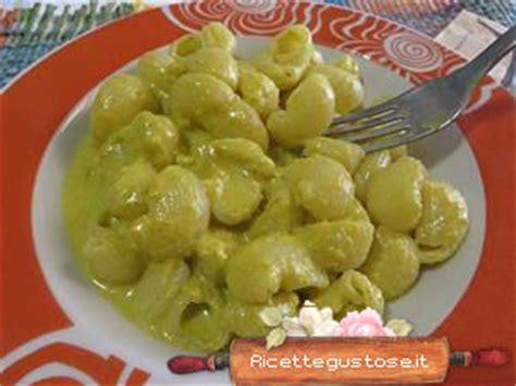 fiori di zucca ricette primi piatti ricetta conchiglie ai fiori di zucca ricette primi piatti