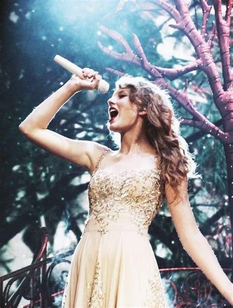 taylor swift enchanted live red tour enchanted speak now tour taylor swift pinterest