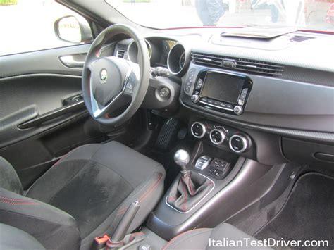 interni alfa romeo giulietta test drive alfa romeo giulietta sprint 1 4 multiair 150