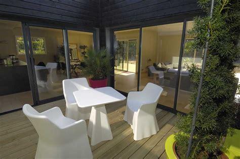 maison avec patio central reportage la maison cube architecture bois magazine