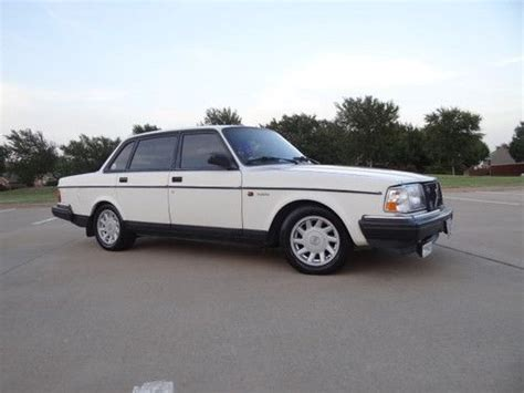 buy   volvo  dl sedan touristdiplomat special delivery  frisco texas united