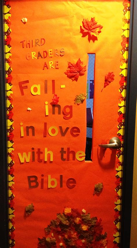 classroom fall door decorations decorating classroom doors teachinghelp org