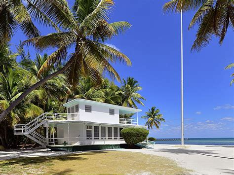 house boat florida house of the week beached florida keys houseboat zillow porchlight
