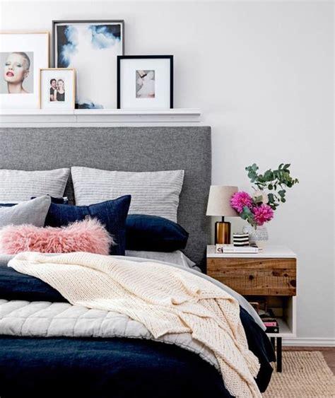 decorare parete da letto come decorare la parete letto con le foto la figurina