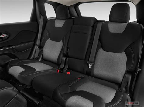 Jeep Grand Seating Capacity 2016 Jeep Interior U S News Best Cars