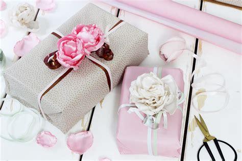 Geschenke Kreativ Verpacken by Stoffblumen Selber Machen Kreative Diy Anleitung