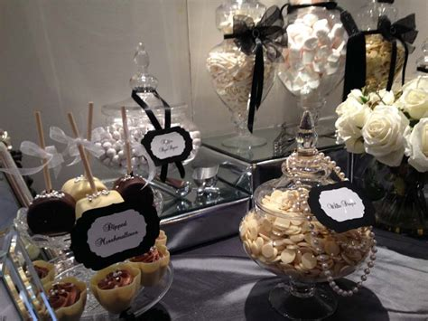 black and white table l black and white dessert table buffets l