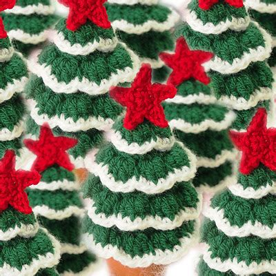 mini christmas tree free crochet pattern christmas