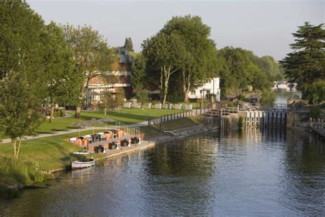 thames river trail runnymede on thames hotel review the arbuturian