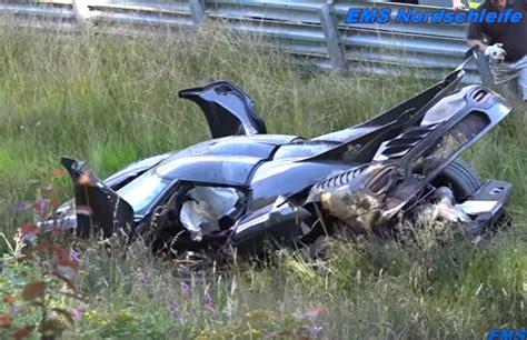 Das Teuerste Auto Der Welt In Euro by Teuerstes Auto Der Welt Crasht Auf Dem N 252 Rburgring
