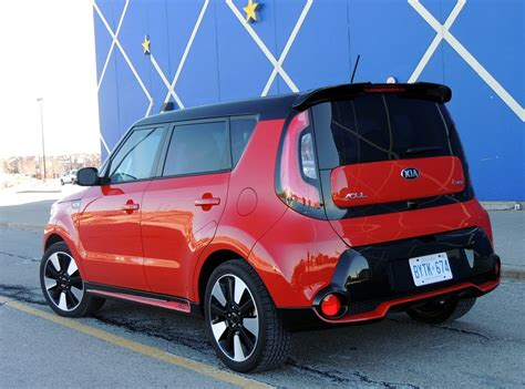 Kia Soul Stance Kia Proves That It S Still Hip To Be Square Wheels Ca