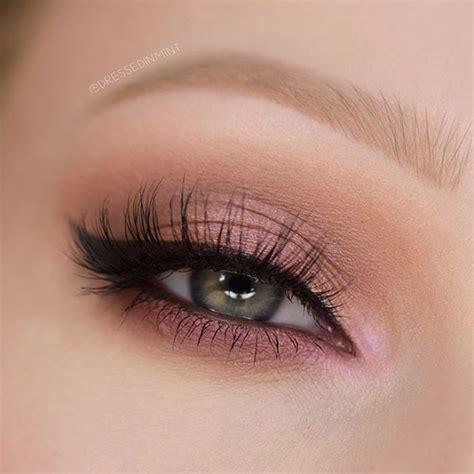 Eyeshadow E makeup makeup eye and eyeshadows