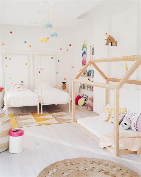 a scandinavian style shared girls room by scandinavian style tropikalny mix owocowy z wizytą u hohonie blogują