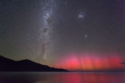 southern lights rare photo of aurora australis southern lights and