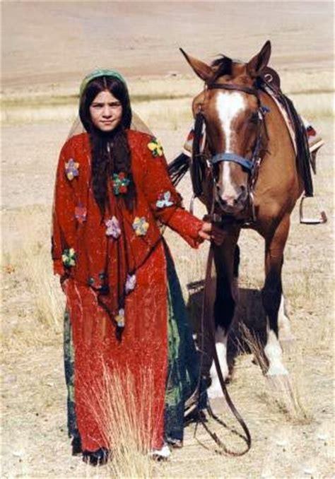 Romper Qoshqu southern iran qashqai nomad fars region photographer
