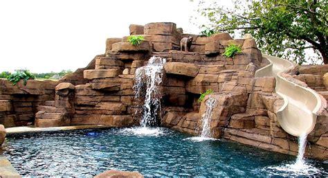 bedroom pleasant swimming pool    ground