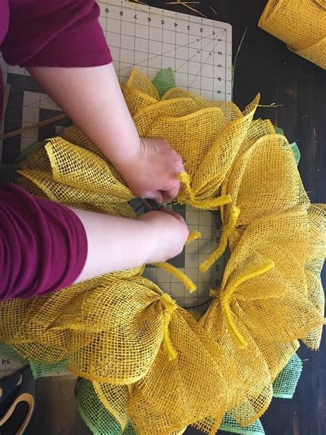 Sunflower Wreath Tutorial   Sunflower wreaths, Wreath