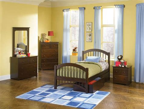 matching twin beds on pinterest twin beds boy rooms and antique walnut windsor twin bed w matching foot board