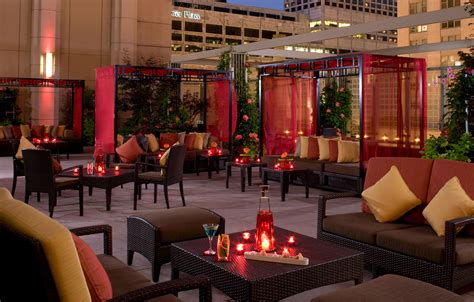 Top Bars In Downtown Chicago Chicago Hotel Restaurants Peninsula Chicago Chicago