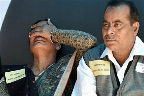 Nirbhaya gangrape: SC upholds death sentence for Jyoti ...