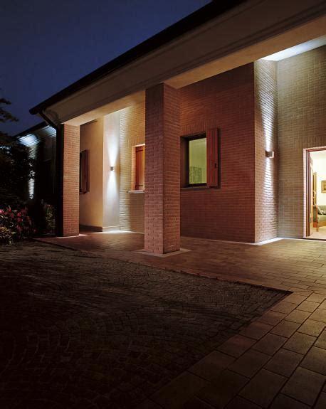 illuminazione esterna casa illuminazione esterna casa ispirazione design casa