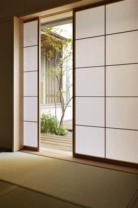 Japanese Sliding Closet Doors by Best 25 Shoji Doors Ideas On Shoji Screen