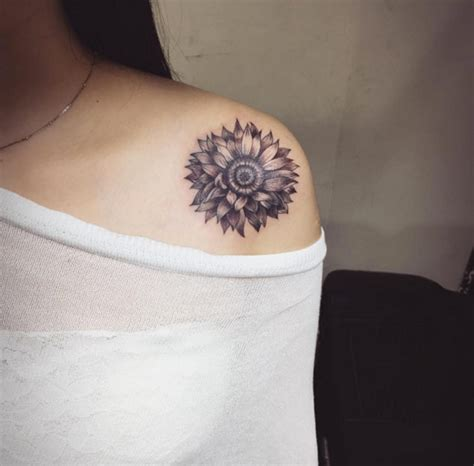 tattoo maker photo 30 elegant shoulder tattoos for women with style tattooblend