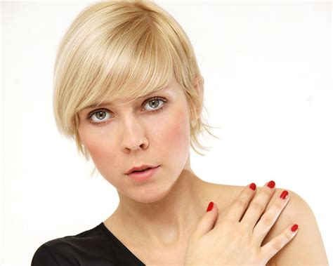 haircuts for an oval face with a pointed chin pixie haircut for oval face short hairstyle 2013