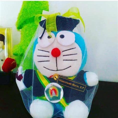 Boneka Wisuda Di Yogyakarta doraemon boneka wisuda instiper jogja kado wisudaku