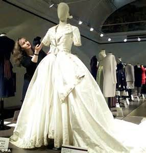 royal wedding kate middleton s dress will not be designed