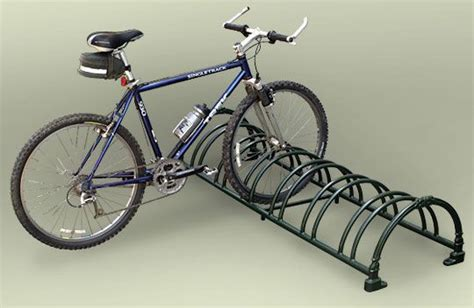 How To Put Bike On Bike Rack by Bike Rack Garage And Drive