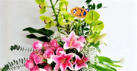 desain bunga segar rangkaian bunga segar zoaet