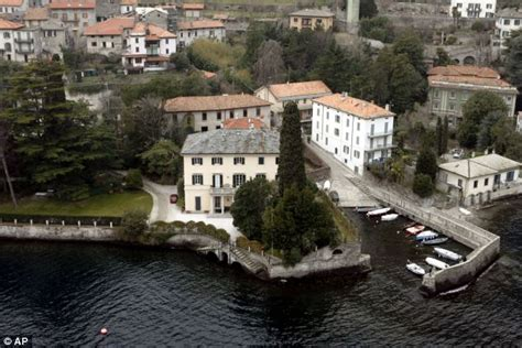 george clooney homes george clooney s 163 25m lake como villa broken into daily