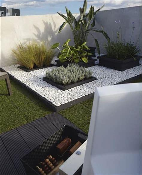 decoracion del jardin con piedras ideas para decorar tu jard 237 n con piedras jardin