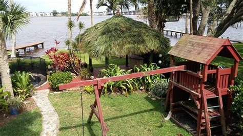 How To Build A Tiki Hut Cost To Build A Tiki Hut Or Tiki Bar