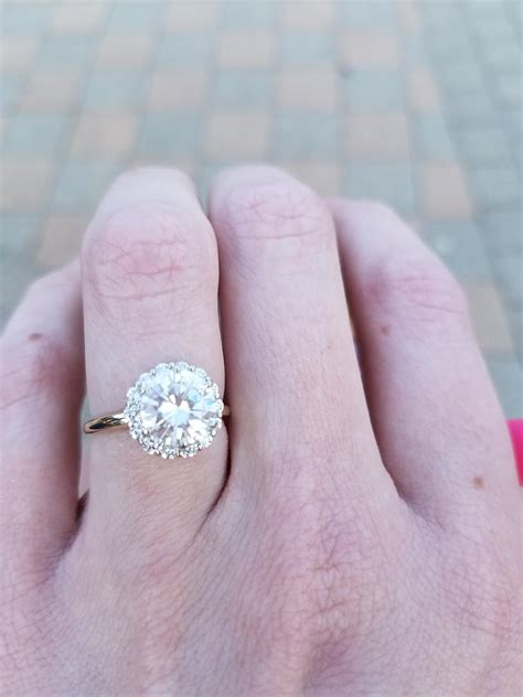 show your engagement rings