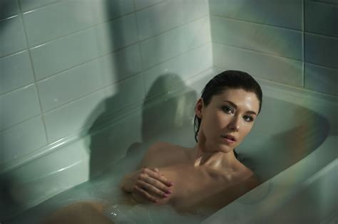 sexy in bathtub jewel staite latest photos celebmafia