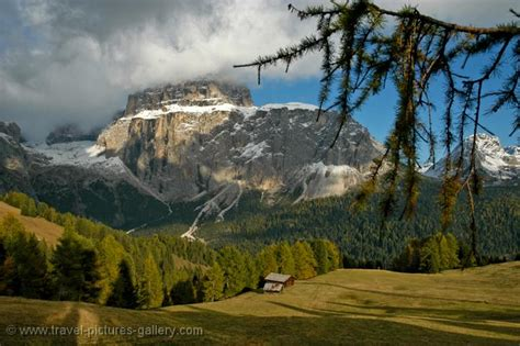travel trip journey dolomites italy pictures of italy the dolomites 0005 alpine valley