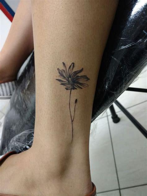 leeds tattoo sao paulo tattoo ink tatuagem delicada flor s 227 o paulo em s 227 o