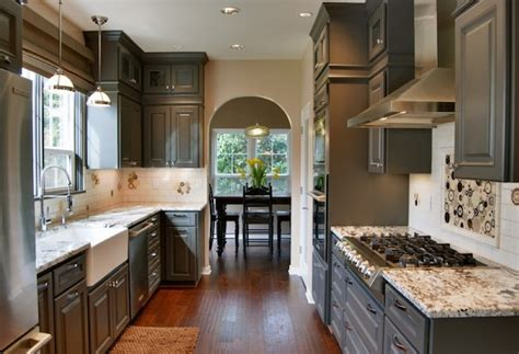 Neutral Kitchen Cabinet Colors by Creative Ways To Use Color In Your Dull Kitchen