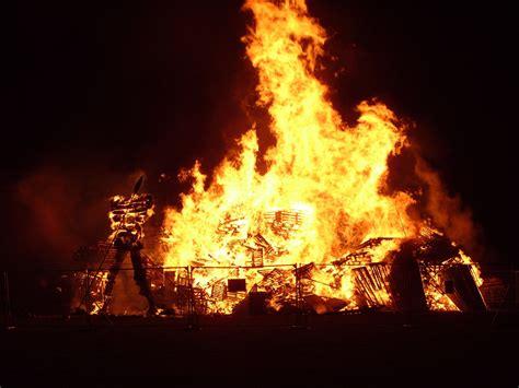 what to do at a bonfire 28 images bonfire megoirs 1000 images about bonfires on pinterest