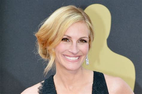 julia roberts  star  remake  secret   eyes