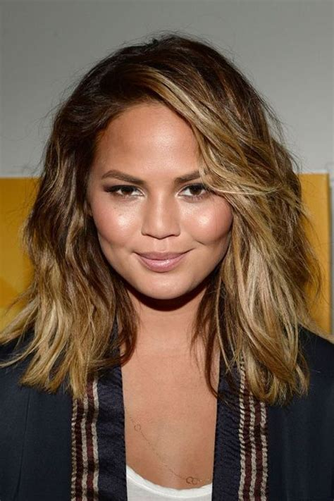 Chubby Celebrities With Short Hair | haircuts for girls with chubby cheeks ombre and balayage